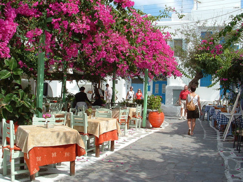 visitheworld:  byropergeeson Flickr. Street scene in Mykonos, Cyclades Islands, Greece.  That's it. I'm going to Greece. <3