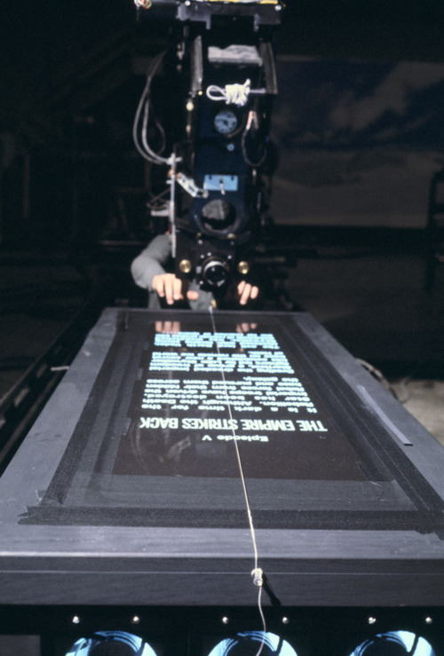 thegoodfilms:  Behind The Scenes | Star Wars: The Empire Strikes Back (1980)  Hooooly shittt!!! That's how they did it!!!