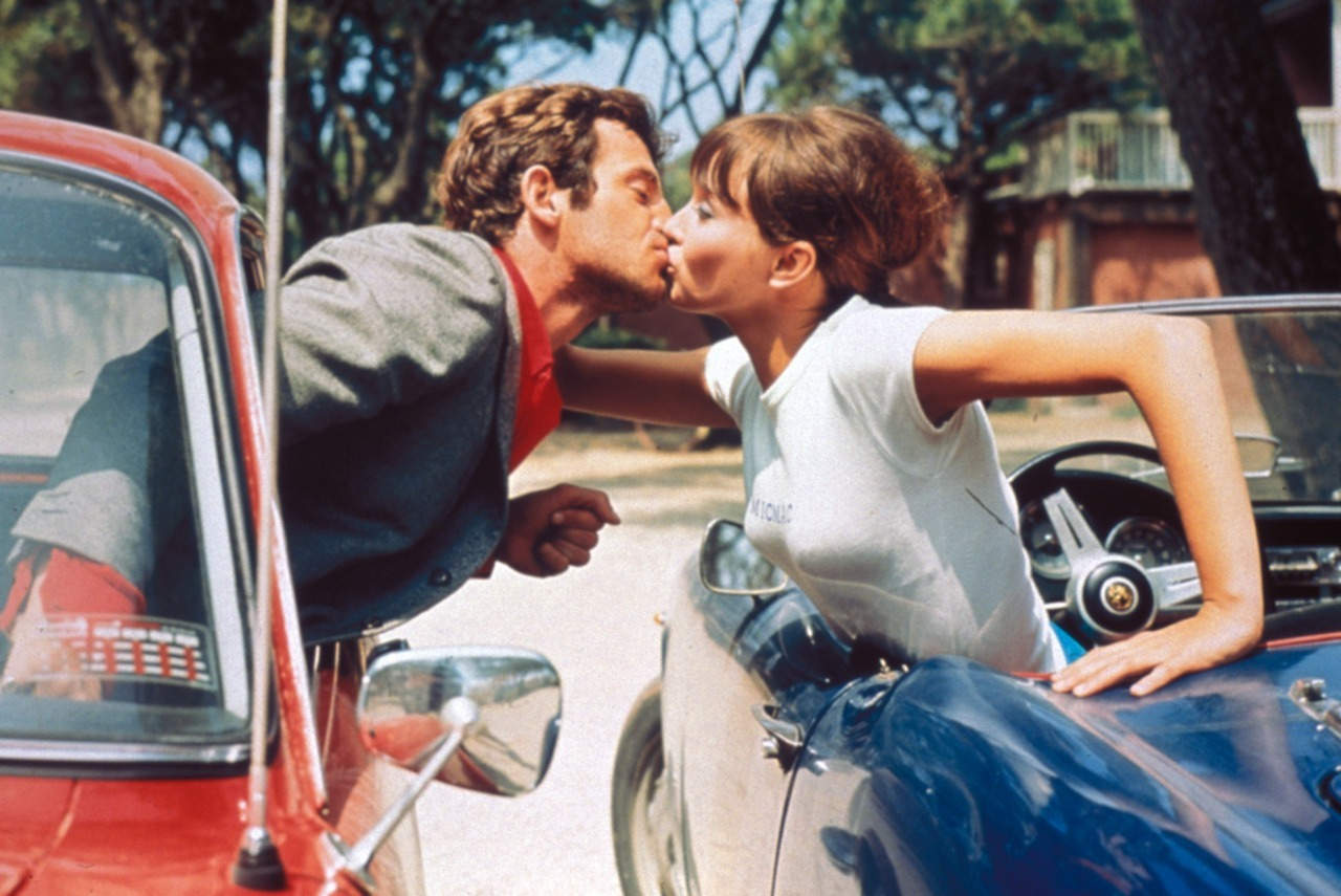 Jean-Paul Belmondo and Anna Karina in Pierrot Le Fou (Jean-Luc Godard, 1965)