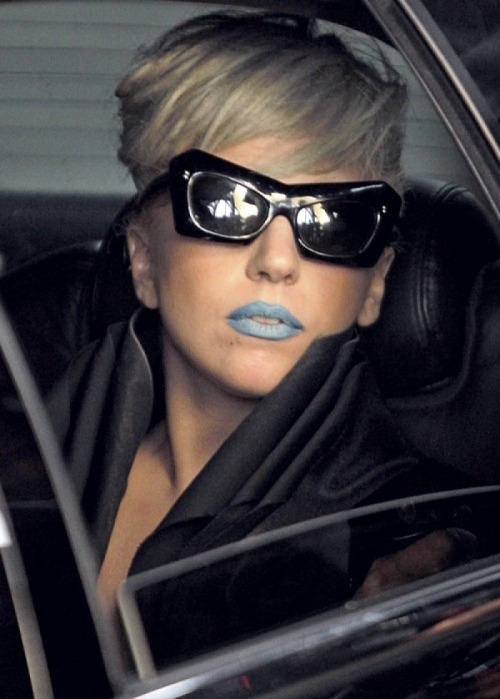Lady Gaga blue lips