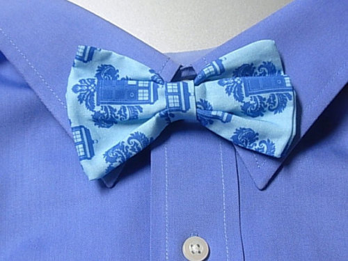 (via Tardis Doctor Who Clip on Bow Tie by apurplepumpkin on Etsy)