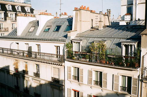 welivedtoday:  Salut, Paris! (by Plaggue)