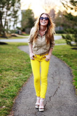 love the bright pants with tan top!