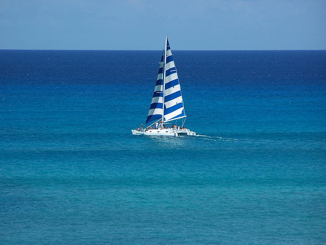 Blue Hawaii by Clay1976 on Flickr.Waikiki catamaran cruise across the clear blue waters.