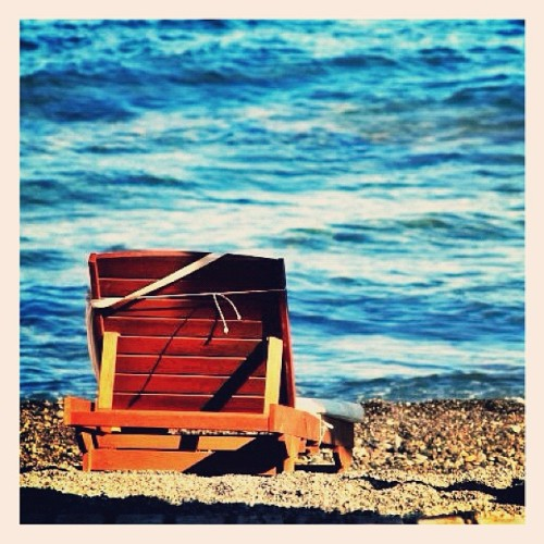 #rememberingsummer #waiting #summer #seat #sea #sand #editoftheday #bestoftheday #topoftheday #ig #igers #ink361 #igdaily #instagood #instagram #instamood #iphonesia #iphoneonly #iphoneography #greece #santorini (Scattata con instagram)