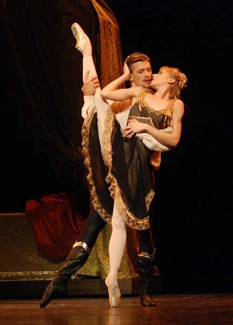 "Melissa Hamilton and Rupert Pennefather in Kenneth MacMillan's ""Mayerling"" - The Royal Ballet"