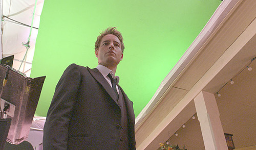 smallvillebts:  Justin Hartley shoots a special effects shot for the Finale.