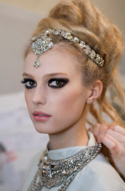 fuckyeahrunwayhair:  Chanel Pre-Fall 2012