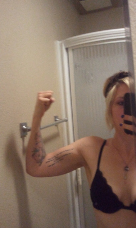 GUNS!  my arms are getting better!  i'm pretty happy.  i've been in a slump the last few days.  but i was trying on clothes today, fit into a size 4 pair of shorts, i'm seeing progress.  back to the grind tomorrow!!!!