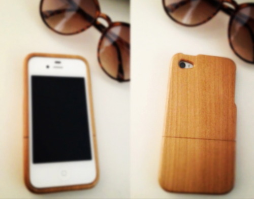 My new cherry wood phone case arrived today, yey