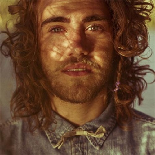 Seeing this beautiful man on sunday. Matt Corby has the scratchy voice of an angel.