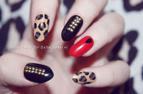 jagged & chic nails