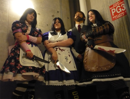 Alice x3 and a Bumby. (Alice Madness Returns)