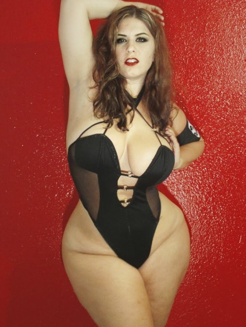 ahmadkhalaf:  awesome curvy