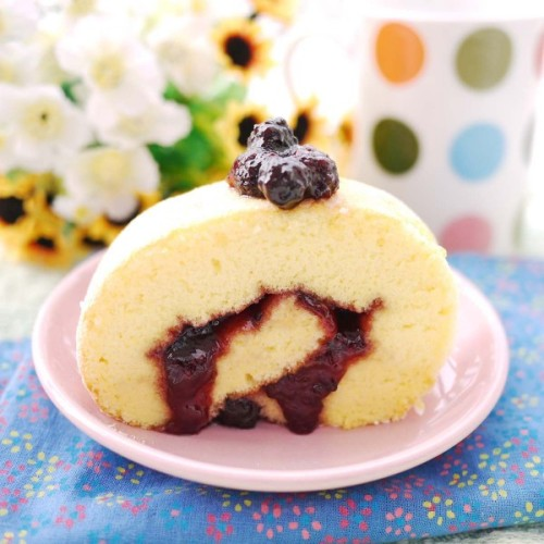 gastrogirl:  swiss roll with mixed berry jam.