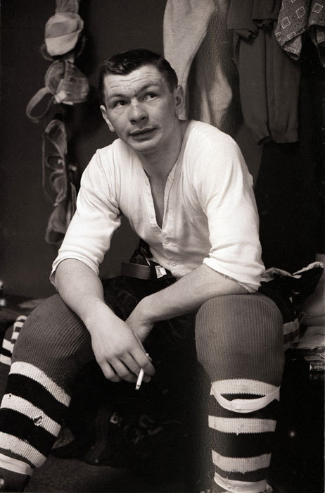Stan mf-ing Mikita played his entire 22-season professional career with the Chicago Blackhawks and played himself in Wayne's World (1992). Nuff said.