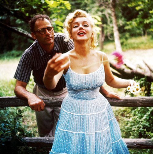 vintagegal:  Marilyn Monroe and Arthur Miller by Sam Shaw, 1957