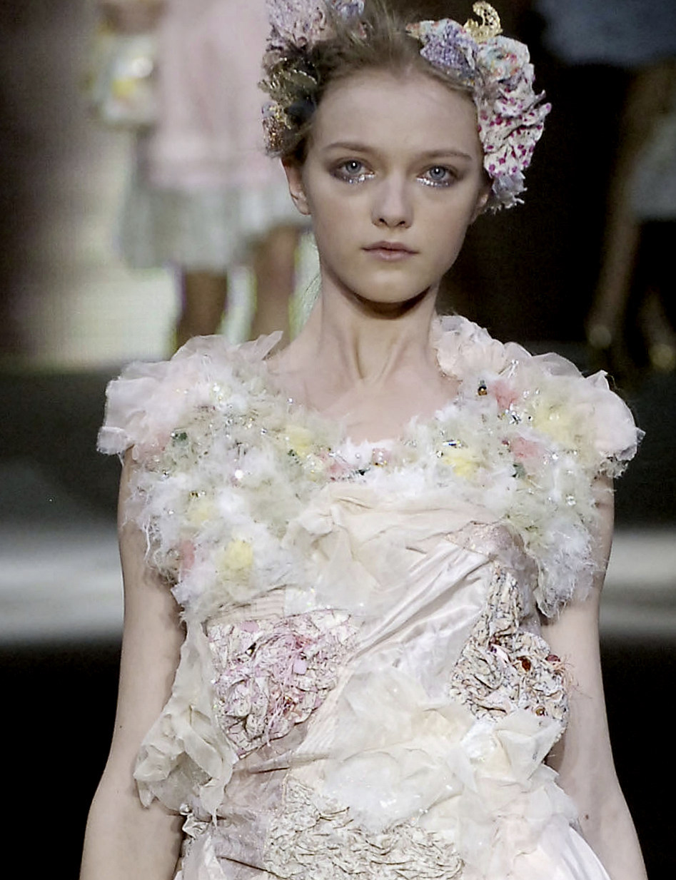 Vlada Roslyakova at Louis Vuitton S/S 2007