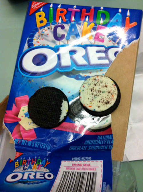 Breaking Oreo's 100th Anniversary Update: Birthday Cake Oreos Do Exist, Are Godly, Challenging