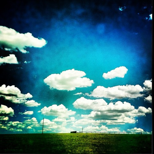 I miss Colorado skies… larksparrow:  Back home #colorado #sky #clouds (Taken with Instagram at The Farm)