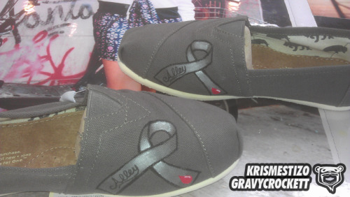 [CUSTOM TOMS] Diabetes Awareness Ribbon, By Kris MestizO