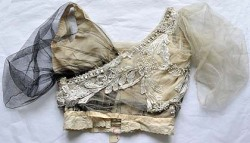 Besotted with this bodice from 1911.