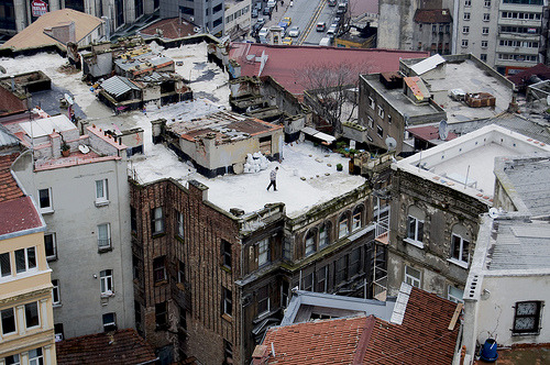 thiscitycalledearth:  by James Davies, Istanbul.
