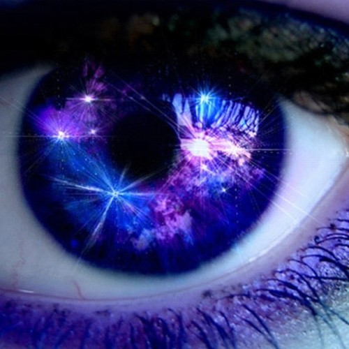 #awesome #eye #purple #blue #sparkle #stars #amazing #beautiful #colors  (Tomada con instagram)