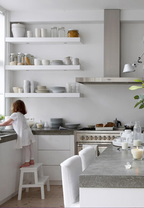 micasaessucasa:  a white family home | the style files