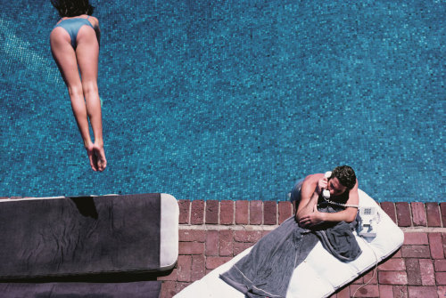youmightfindyourself:  Herb Ritts, Richard Gere – Poolside, 1982