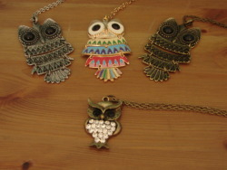 Necklaces! http://www.feedingbirdsboutique.com/Feeding_Birds/FB_Finds.html