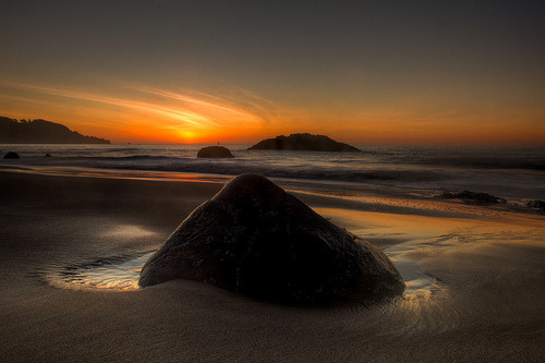 Marshall Beach Rock (by tobyharriman)