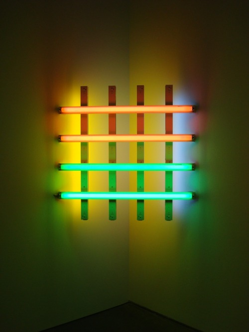 thingsorganizedneatly:  danny-esc:  Dan Flavin @ MCA  ed: Check out my new blog, FADIENT.