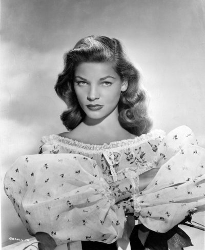 screengoddess:  Lauren Bacall 1945