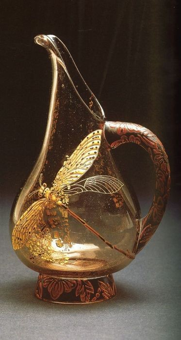claudiablonde:  Dragonfly pitcher