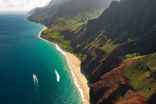 Na Pali Coast from above by J.Wood on Flickr.