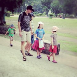 i want to have a #family like this  2 #sons and 2 #daughters  #rizalpark #philippines #candid #nikon #nikond5000 #holiday #kids (Taken with instagram)