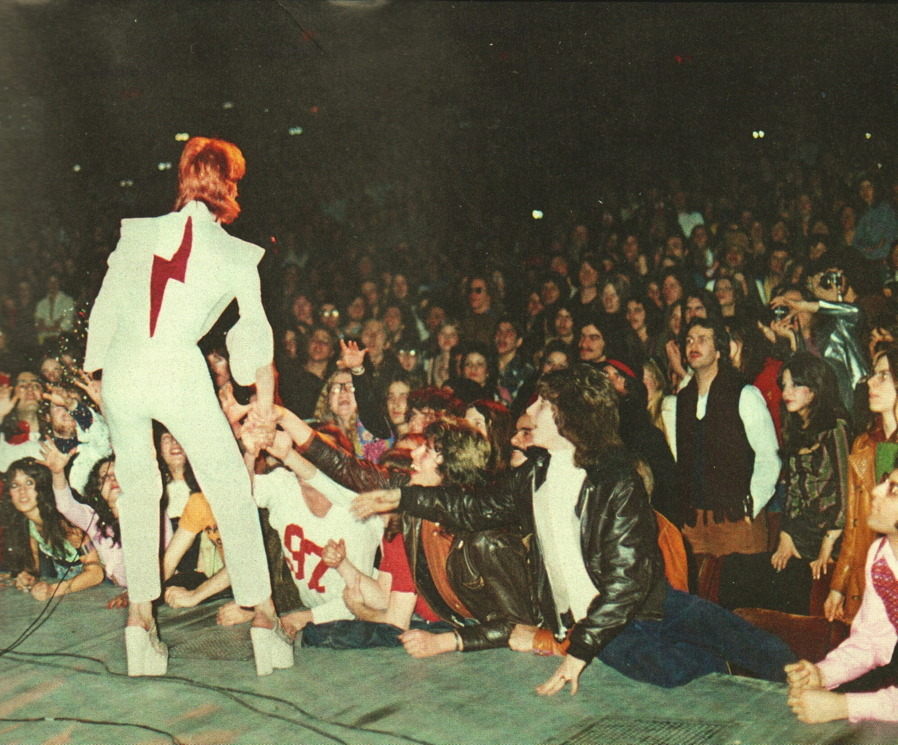 moredarkthanshark:  David Bowie performing at New York's Radio City Music Hall on February 14, 1973