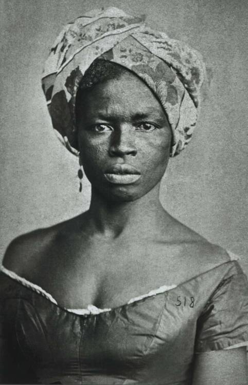 "Alberto Henschel, Foto de negra com turbante (""negro woman with turbin), Brazil, ca. 1870. Source: Coleção Gilberto Ferrez/Acervo Instituto Moreira Salles FIND US ON TWITTER 