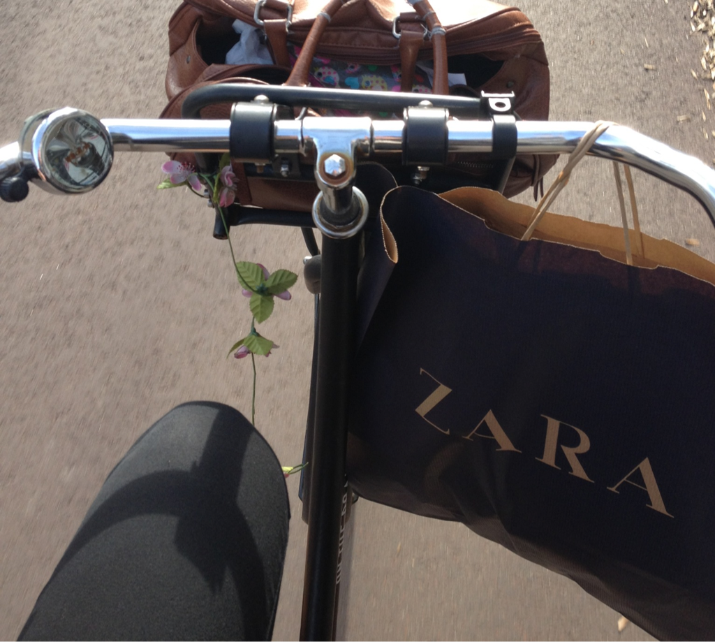 theparadisekids:  i will never leave the zara without buying too much i am afraid..but hey the weather was nice so i took a picture aha !    (via imgTumble)