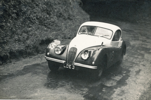 Jaguar XK120 (the myth itself, the LOE3) hillclimbing the hell out of Shelsley Walsh. Source