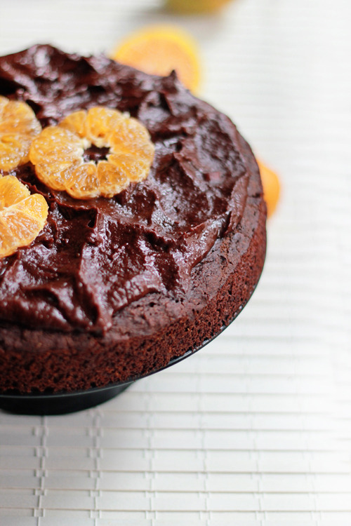 oh-yum:  Chocolate Orange Cake (vegan + gluten-free)