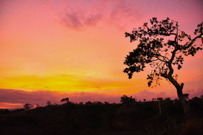 imnotunicolour:  Sunset on saranggani highlands (von hugetan16)