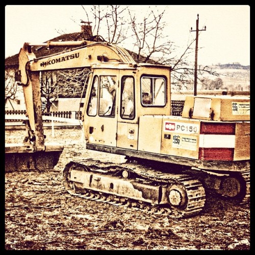 #bagger #baustelle #contrast #hdr #onlyiphone #austria #webstagram #ig #attention #working #iphoneography #instanation #iphonesia #iphone #insta #igers #photography #popular #popularpage #instaphoto #igoftheday #instaaaaah #instagood #instamood #baumeister #dredger #digger #build #construction #area  (Taken with instagram)
