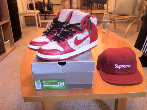 Selling. Sz10, og box, black laces only. No lacelocks. 9/10 cond. Hat is brand new. Make offers on both if interested. Will do 380 for shoes and hat together. I accept paypal, meetups in NYC.