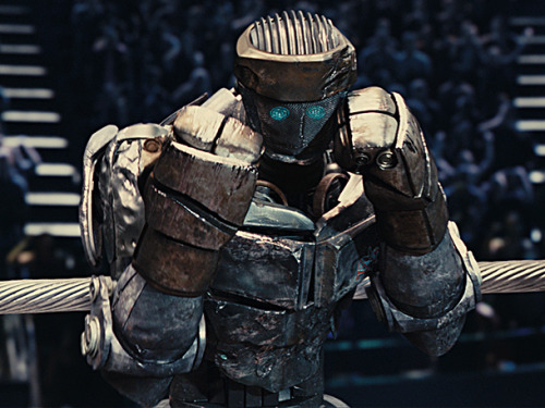Just saw Real Steel. It looked interesting but I was expecting the movie to be pretty bad. Luckily it wasn't. I loved it!