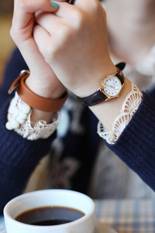 Gorgeous cuff details peeking out from the knit!