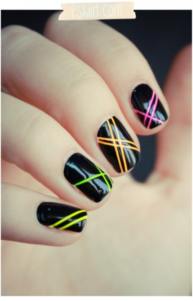 fuckyeahnailart:  (via Nail art rayé au Neon… Back to the 90′s Ladies ! | PSHIIIT)