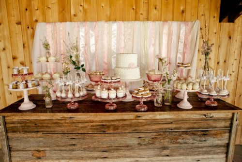 (via Dessert Tables on a Budget « Inspiration « Bow Ties & Bliss | One of a Kind Wedding Inspiration From the Pacific Northwest)