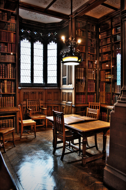 bookmania:  Reading Room, John Rylands Library, Manchester (via Gary995)